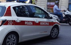 Firenze. Fuggono dopo aver provocato un incidente, denunciati dalla Polizia Municipale