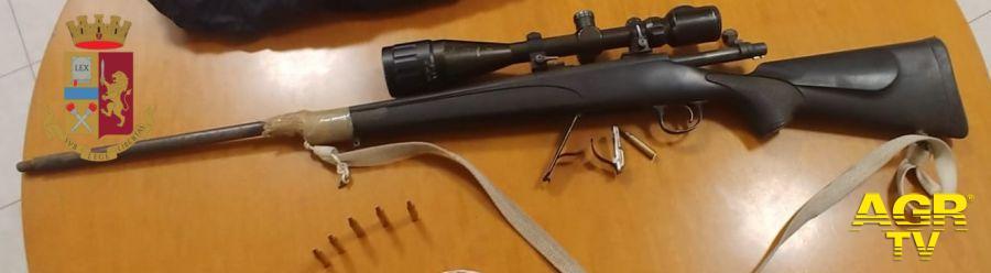 Va in giro con un fucile di precisione rubato, beccato è condannato per direttissima a tre anni