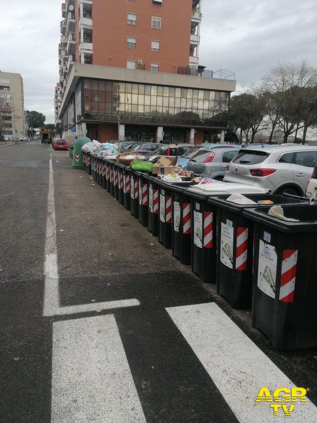 contenitori in alcune strade