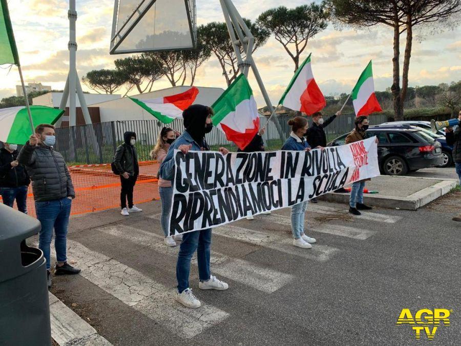 Studenti, protesta all'IPSEOA Elsa Morante