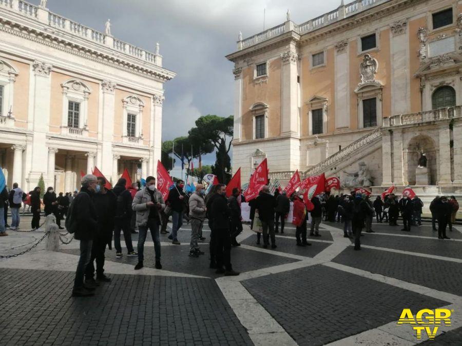 protesta campidoglio municipalizzate