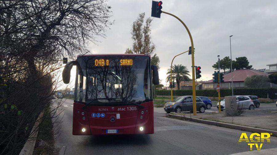 Dragona, arretrato lo stop su via dei Romagnoli, ora i bus voltano facile