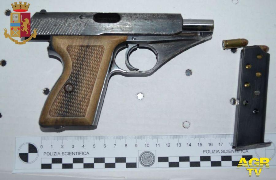 pistola utilizzata albanese trovata in macchina