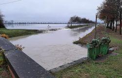 Italia, allerta fiumi, gli argini sono costantemente monitorati