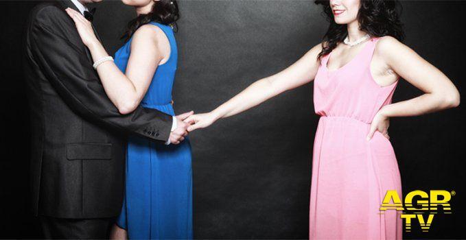 San Valentino, la festa delle coppie ma una su tre nasce da un tradimento