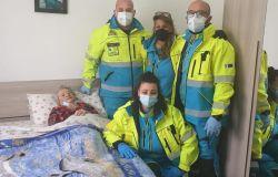 Fiumicino nonna Antonia è tornata a casa. La centenaria accudita dalla Misericordia dopo un intervento al femore