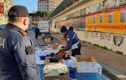 Polizia, mercati rionali, una priorità il contrasto all'abusivismo commerciale
