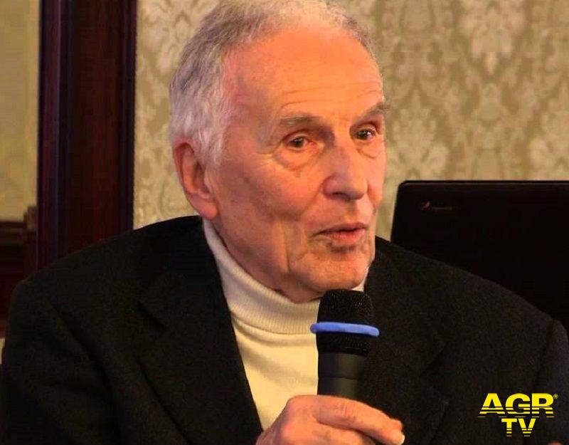 Silvio Garattini, presidente e fondatore dell'Istituto di ricerche farmacologiche Mario Negri