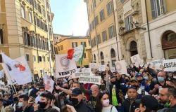 Sit-in dei ristoratori a Montecitorio, chi ha condiviso le nostre battaglie ed ora siede al Governo...agisca