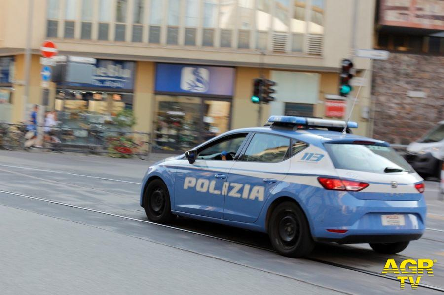 Questura di Firenze Contrasto della Polizia di Stato allo spaccio di droga alle fermate della tramvia e dell'autobus: 1 pusher in manette e altri 2 denunciati in 24 ore