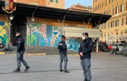Controlli anti assembramento della Polizia di Stato