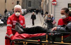 Toscana-Coronavirus, 877 nuovi casi, età media 41 anni e 18 decessi