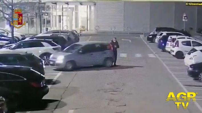 Incidenti simulati nei parcheggi