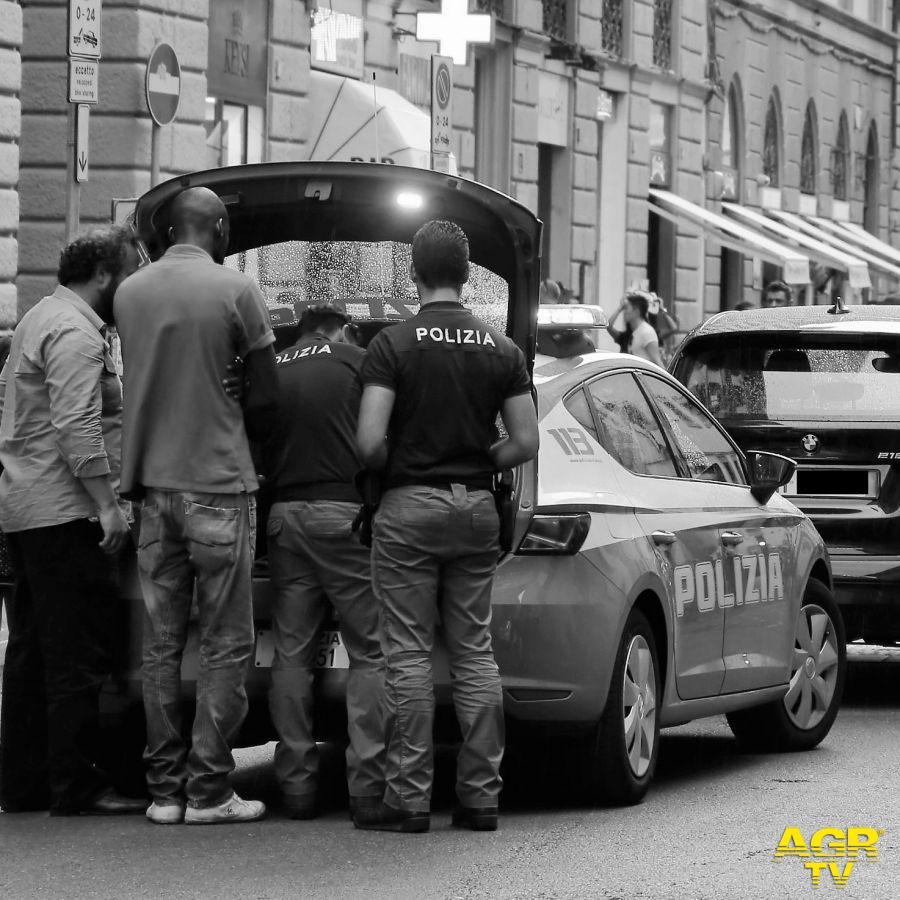 Blitz della Polizia Municipale al Mercato delle Cascine.