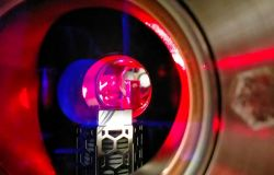 UniFi. Il supersolido ruota senza inerzia. Scoperta proprietà del nuovo stato quantistico della materia