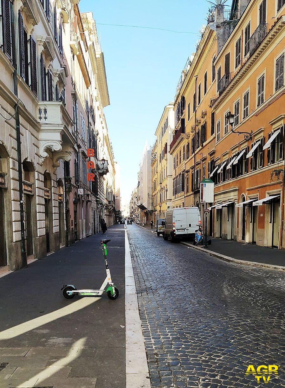 ovid 19, Roma in Rosso, strade deserte