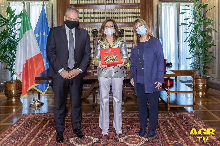 Maestro Orafo Michele Affidato, Presidente del Senato,Maria Elisabetta Alberti Casellati, Donatella Gimigliano