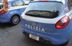 Ostia, lite fra amici, uno aggredisce gli agenti, in manette romeno