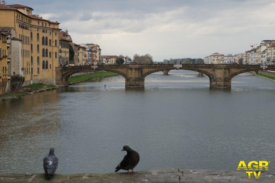Vista dei lungarni dal Ponte Vecchio