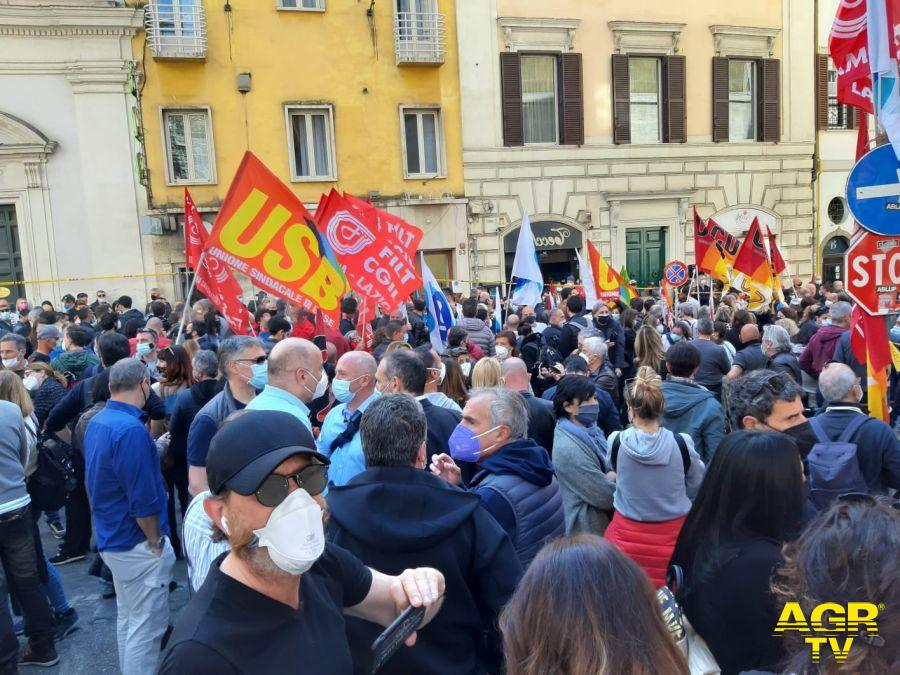 Fiumicino i sindacati in piazza accanto ai lavoratori Alitalia, presidio dalle 14,00 dinanzi al comune, no al piano spezzatino