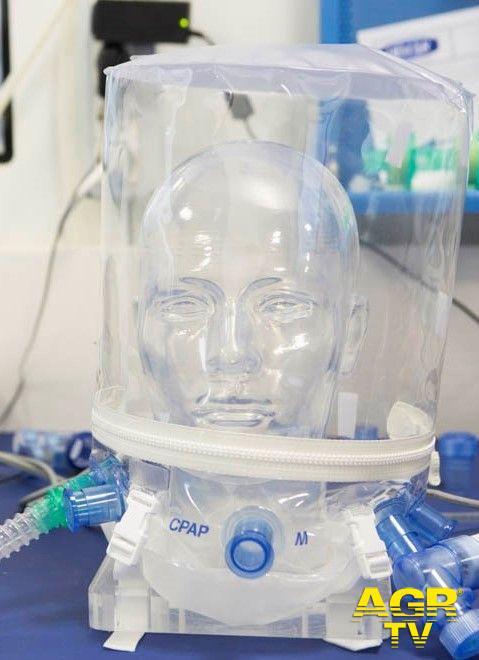 Covid-19 i caschi migliori per la ventilazione polmonare, indispensabili per salvare la vita ai pazienti, sono italiani