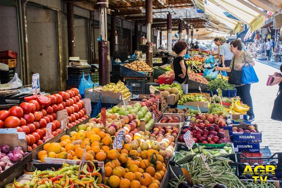 Mangiare è un piacere anche visivo, la dieta dei colori regola e governa l'appetito