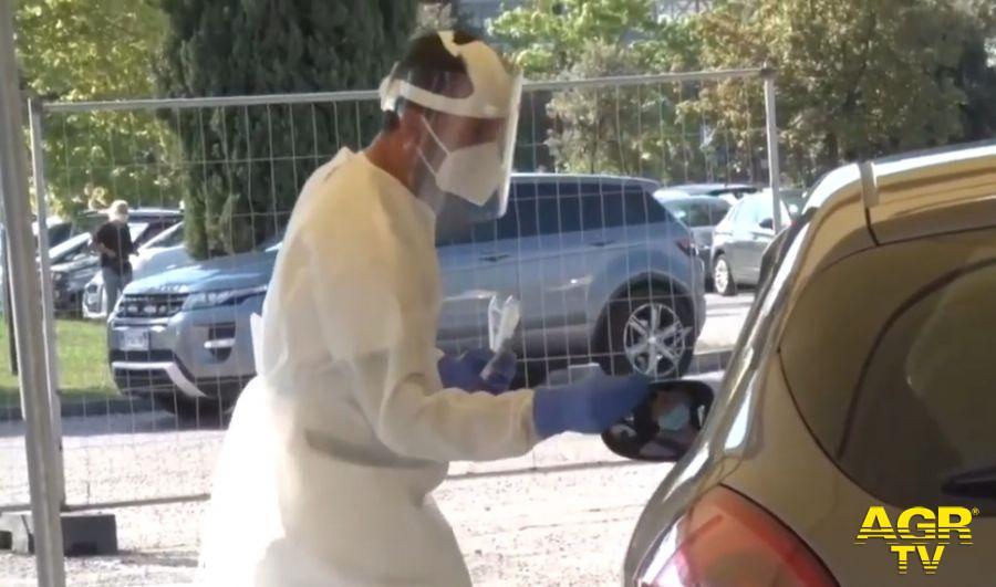 Coronavirus, 958 nuovi casi