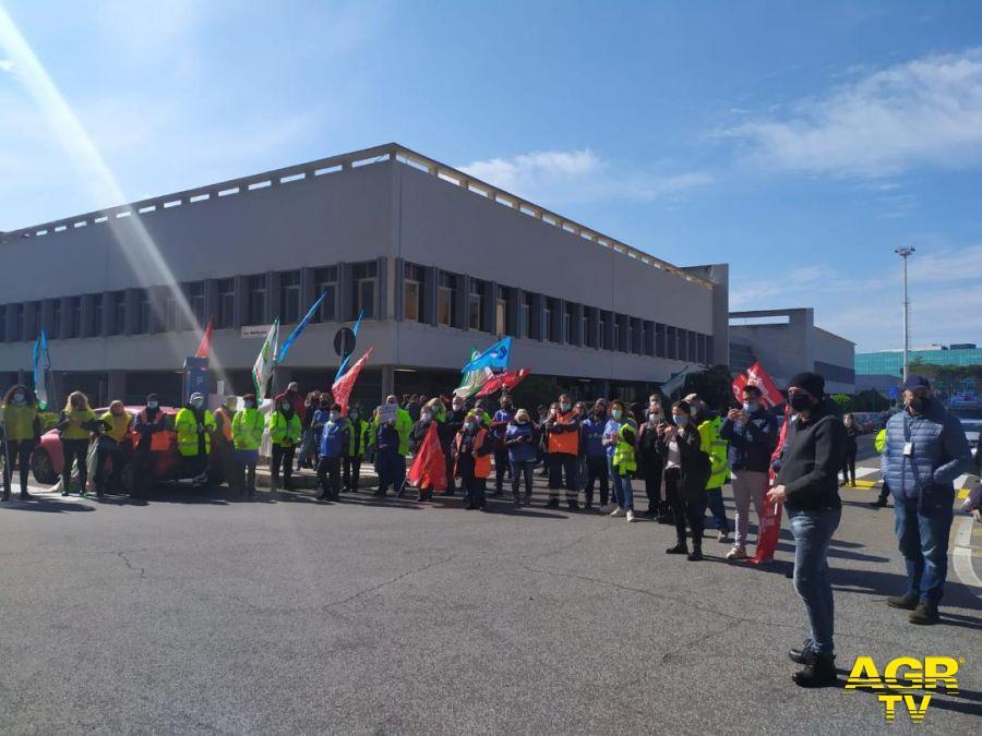 Fiumicino, la crisi dell'indotto aeroportuale preoccupa il comune