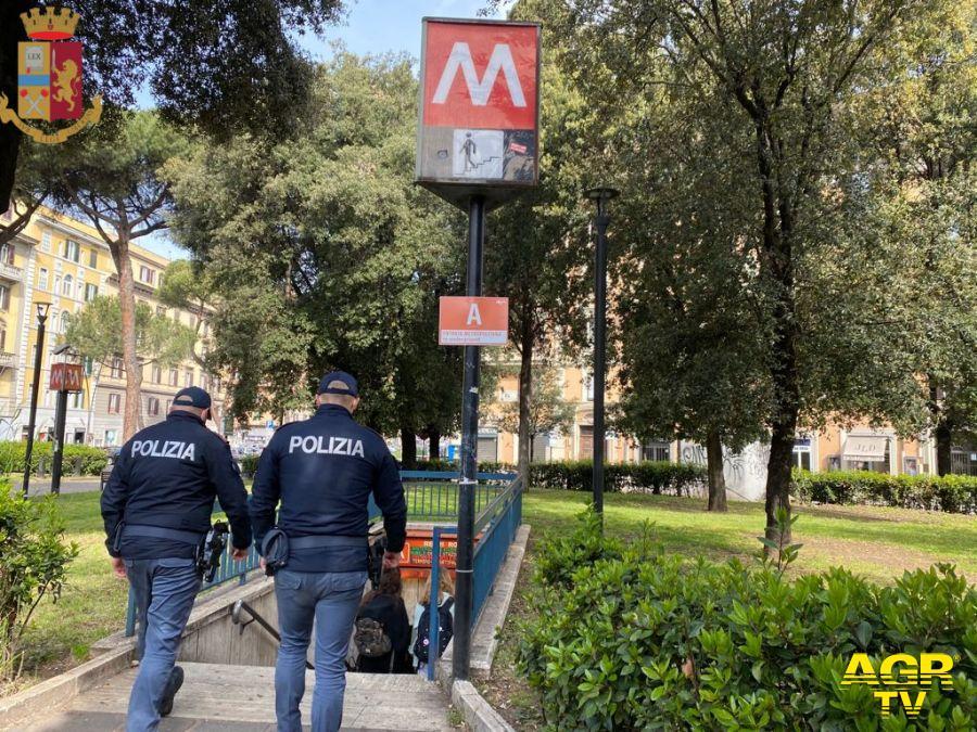 Polizia, scattano da oggi controlli anti-assembramento nei servizi pubblici