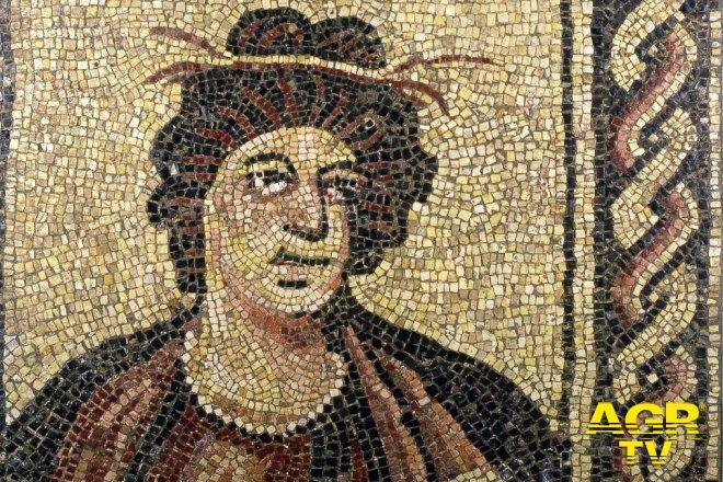 Alla scoperta dei mosaici romani...alla centrale Montemartini si inaugura la mostra: I colori dei romani