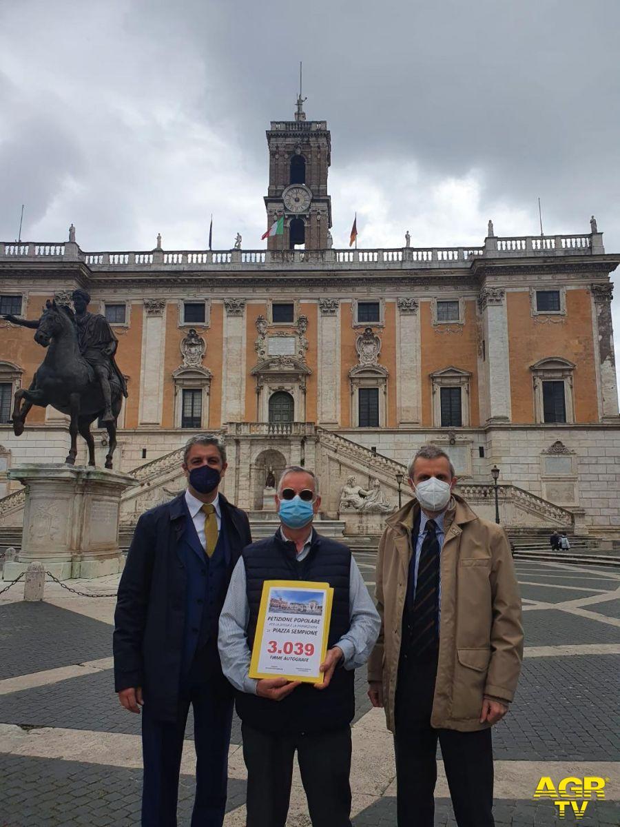 Piazza Sempione tra sacro e profano, i cittadini in piazza il 2 maggio