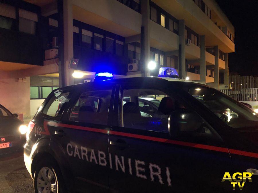 Carabinieri, blitz all'alba, circondata l'Alcatraz della droga a Tor Bella Monaca
