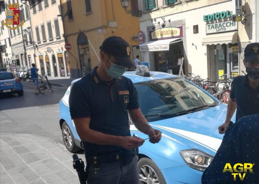 Pusher in fuga senza patente provoca incidente stradale: arrestato dalla Polizia di Stato