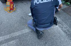 Due pusher arrestati, il primo mentre spacciava cocaina in una scuola in disuso, l'altro alla stazione di Bagni di Tivoli