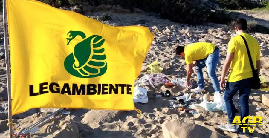 Legambiente, dal 14 al 16 maggio, al via: spiagge e fondali puliti...per ripulire il litorale dai rifiuti