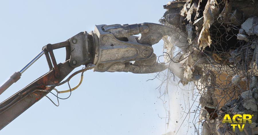 demolizione delle opere abusive