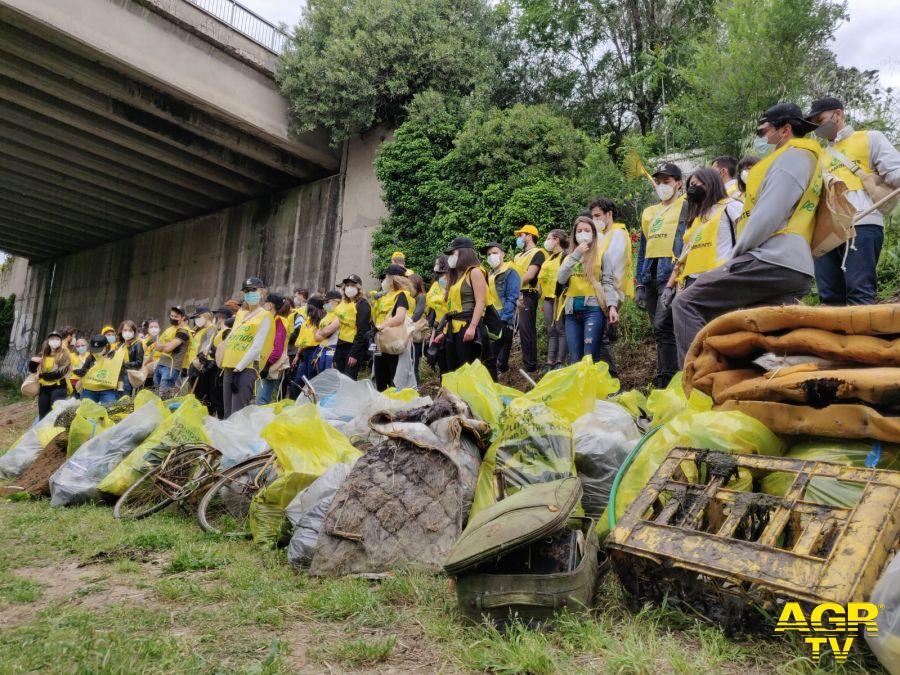Legambiente pulizia litorali 10 tonnellate rifiuti