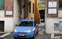Aprilia, pusher trascina con l'auto poliziotto che gli aveva intimato l'alt, preso