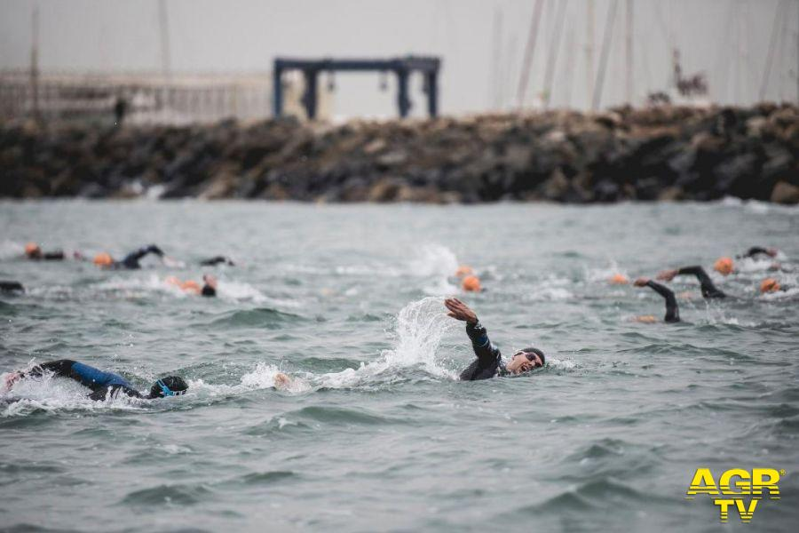 Triathlon prova nuoto porto