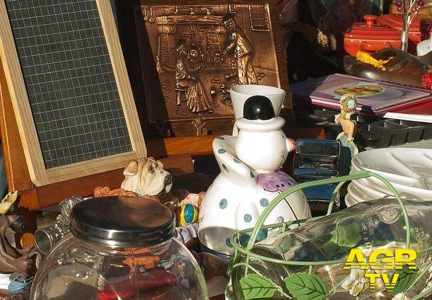 Pistoia. Domenica 23 maggio mercato antiquario