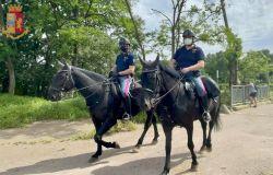 parco della Caffarella controlli polizia a cavallo