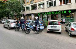 polizia controlli sulla colombo con moto
