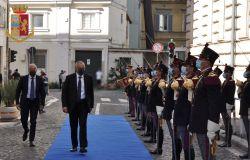 insediamento Questore capo della polizia Lamberto Gianni passa in rassegna
