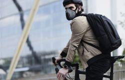 Bicicletta in città, presentate le mascherine anti-smog