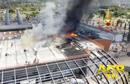 Vigili del Fuoco Comando Toscana Incendio alla Coop di Ponte a Greve