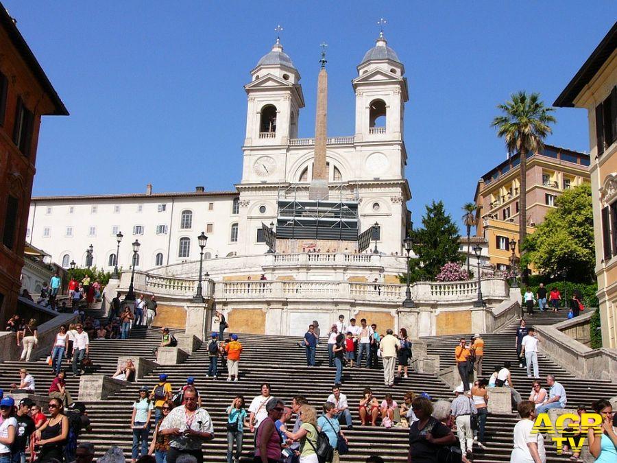 turisti a piazza di Spagna