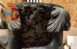 Scaricavano anfore romane e statue, due archeologi chiamano la polizia, denunciati acquirenti e venditore, pare che non sapessero il valore dei reperti....