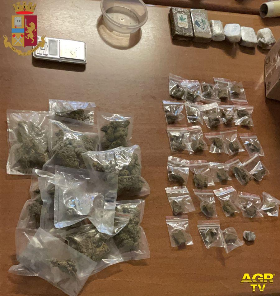 droga e soldi rinvenuti