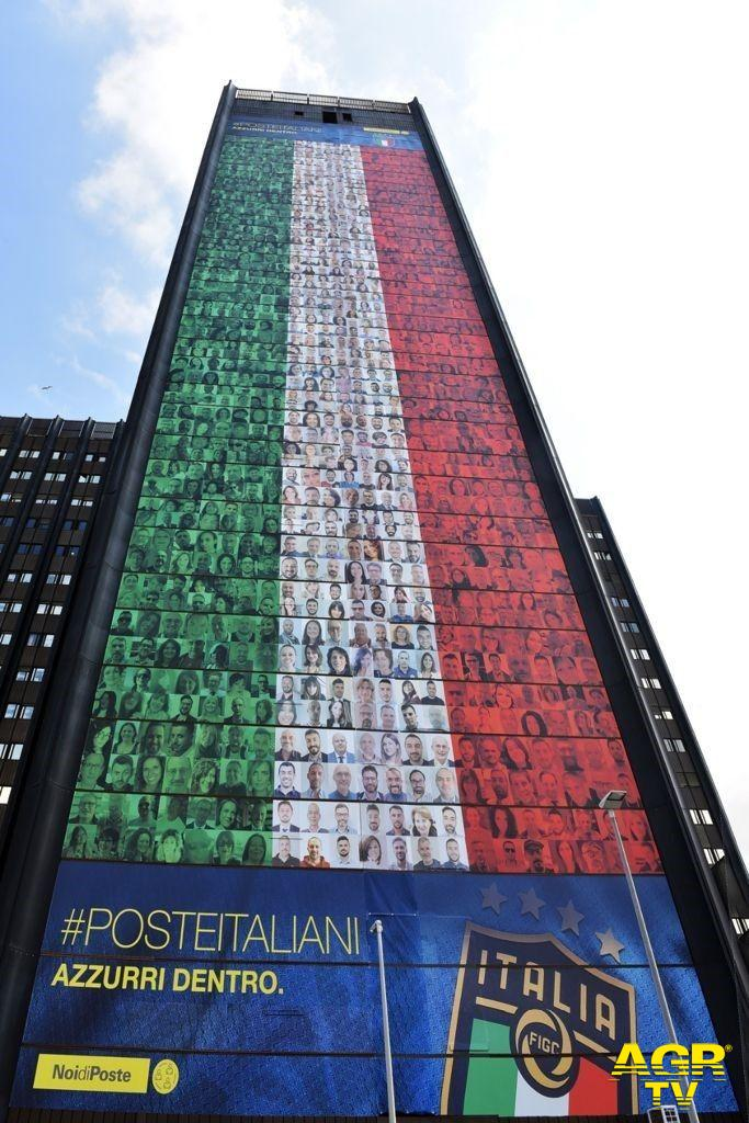 Tutti i dipendenti delle Poste tifano....Italia agli Europei