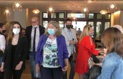 Il presidente X Municipio  Giuliana Di Pillo arriva nel salone interno